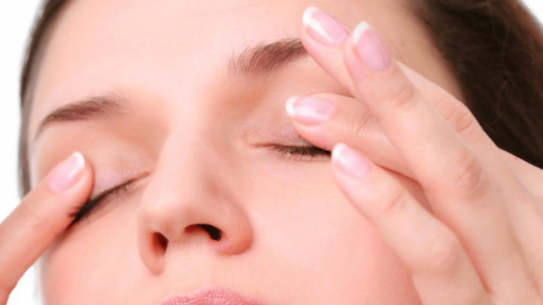 Stress Reducing Eye Exercises To Relax The Eyes And Body