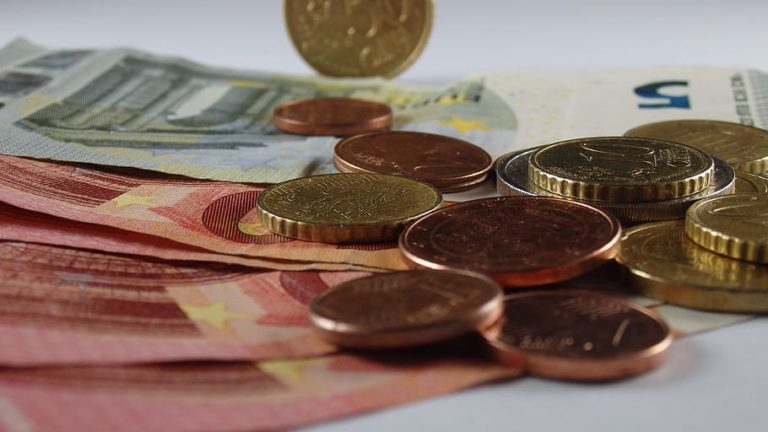Foreign Exchange Broker: Convert your Card Points into Cash