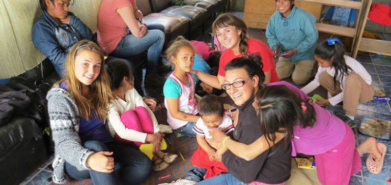 The Top Benefits of Volunteer abroad Programs